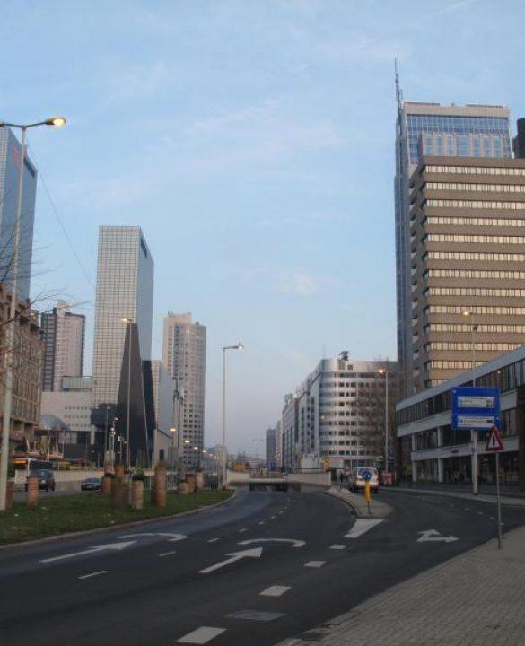 Rotterdam-_skyline_vanaf_Weena_westelijk_deel_foto3_2010-11-28_15.05