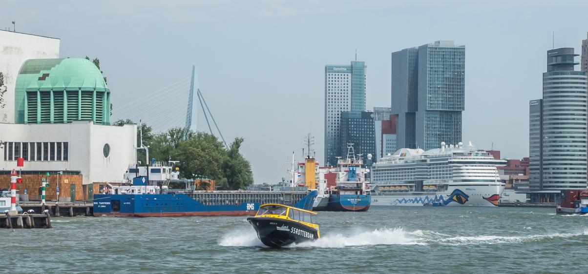 Rotterdamse watertaxi wordt uitstootvrij_header